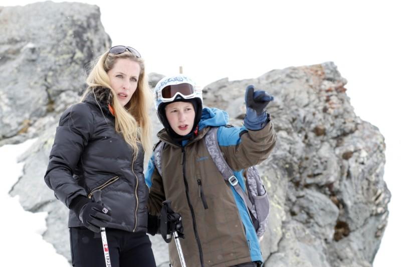 Gillian Anderson in una scena di Sister insieme a Kacey Mottet Klein