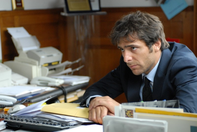 Sandrine nella pioggia: Adriano Giannini in un'immagine del film