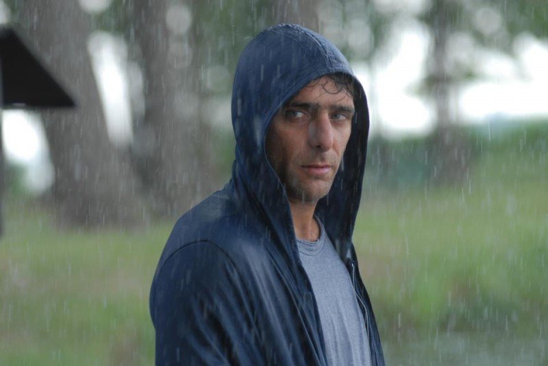 Sandrine nella pioggia: Adriano Giannini in una scena del film