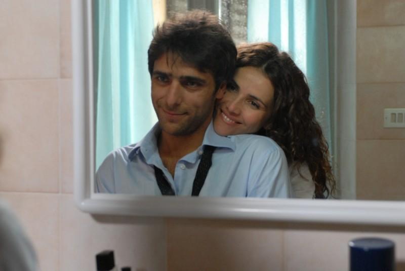 Sandrine nella pioggia: Adriano Giannini in una scena del film insieme a Goya Toledo