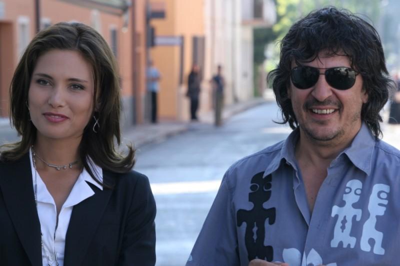 Sandrine nella pioggia: Elsa Mollien insieme al regista Tonino Zangardi sul set del film