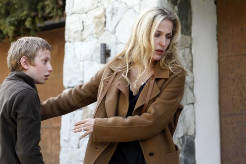 Sister: Gillian Anderson con il piccolo Kacey Mottet Klein in una scena del film