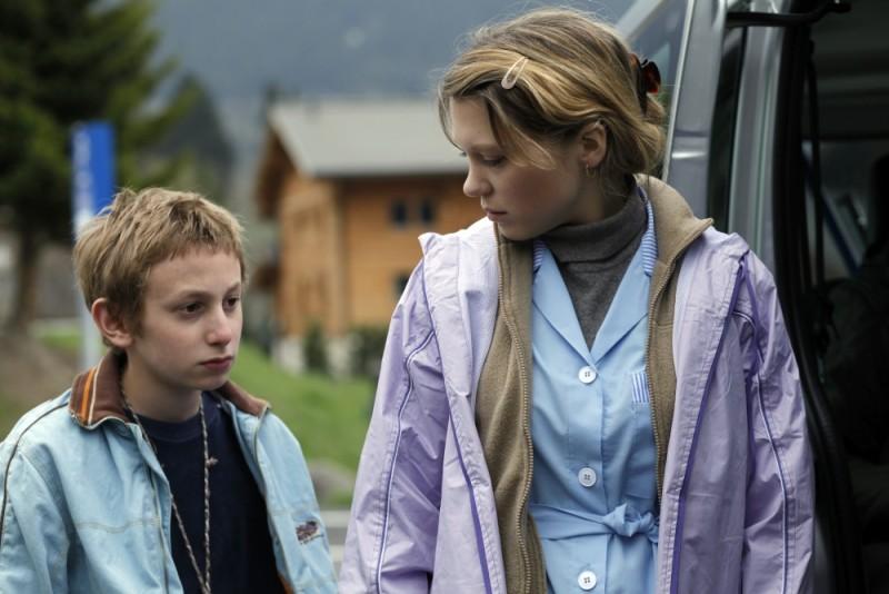 Sister: Léa Seydoux e Kacey Mottet Klein sono fratello e sorella in una scena del film