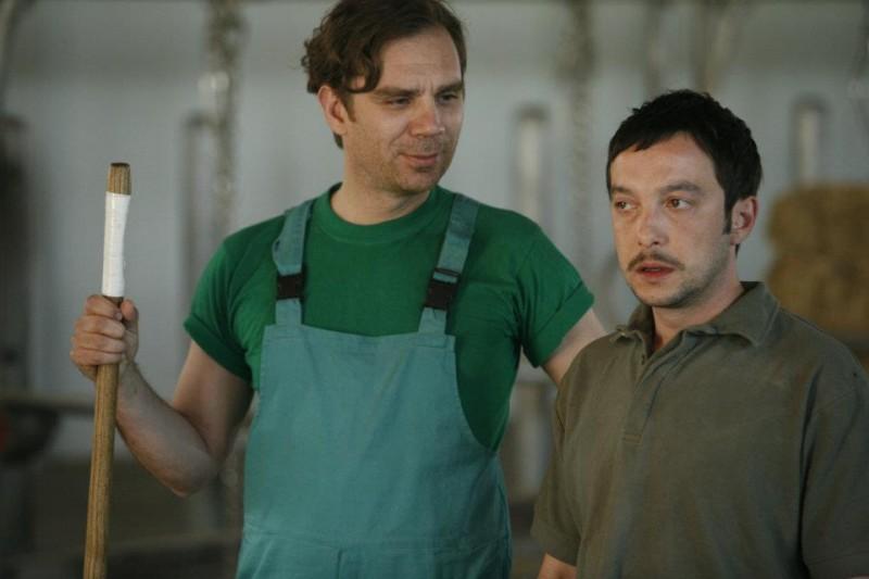 Workers - Pronti a tutto: Andrea Bruschi e Pietro Casella in una scena del film