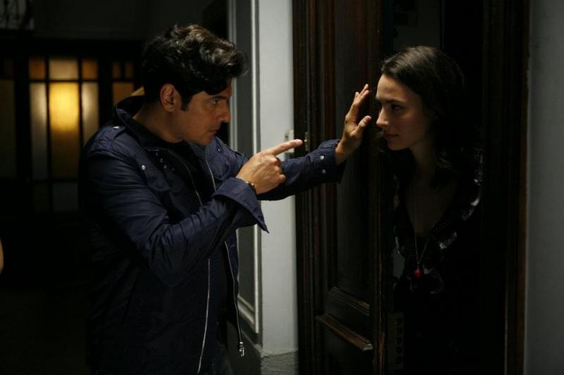 Workers - Pronti a tutto: Dario Bandiera e Daniela Virgilio in una scena del film
