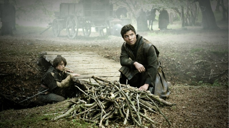 Game of Thrones: Maisie Williams e Joe Dempsie nell'episodio The Night Lands