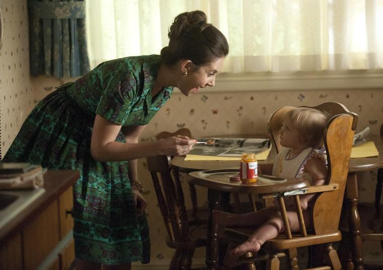 Alison Brie nell'episodio Signal 30 della quinta stagione di Mad Men