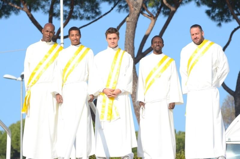 100 metri dal paradiso: gli atleti protagonisti in una foto promozionale di gruppo