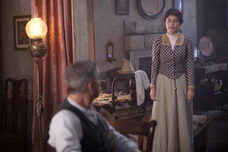 Alessandra Mastronardi durante una scena della miniserie di Rai Uno, Titanic Nascita di una leggenda