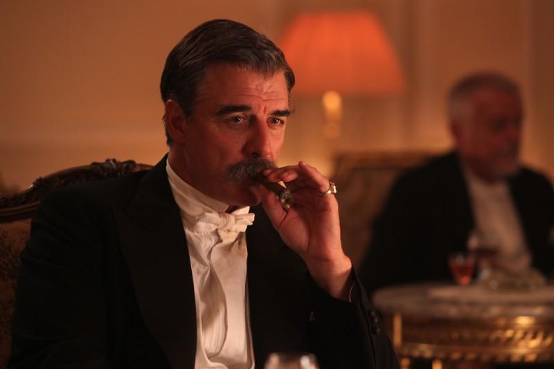 Chris Noth in una scena della serie tv Titanic - Nascita di una leggenda