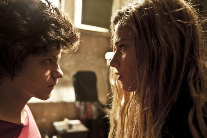 Io e te: Tea Falco e Jacopo Olmo Antinori vis-a-vis in una scena del film