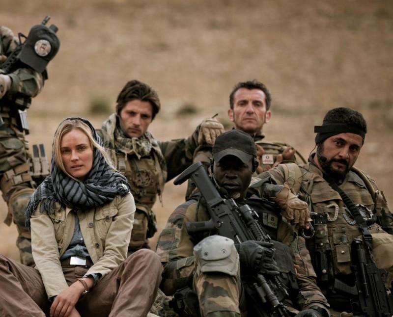 Special Forces - Liberate l'ostaggio: Diane Kruger, Raphaël Personnaz, Alain Alivon, Djimon Hounsou, Alain Figlarz in una foto promozionale