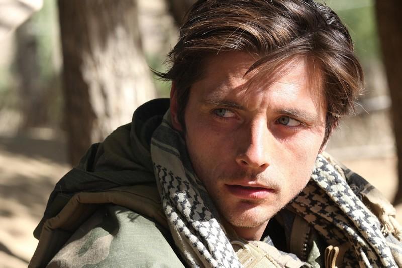 Special Forces - Liberate l'ostaggio: Raphaël Personnaz in un'immagine tratta dal film