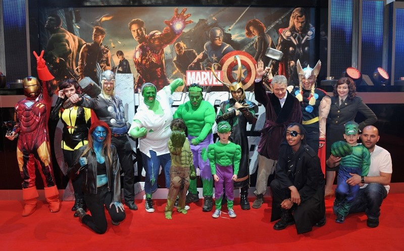 The Avengers: i supereroi del film radunati per una foto di gruppo al cinema Vue Westfield di Londra per la première inglese