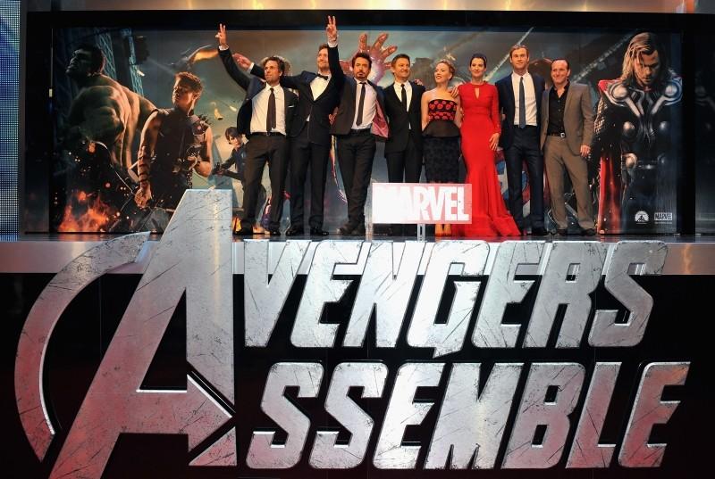 The Avengers: il folto cast del film sul palco della première inglese presso il cinema Vue Westfield di Londra
