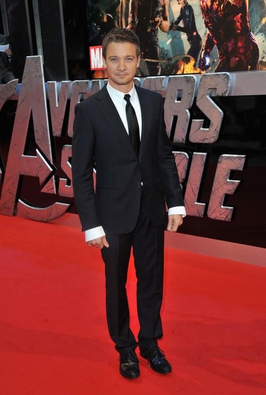 The Avengers: Jeremy Renner a Londra sul red carpet del cinema Vue Westfield per la première inglese del film