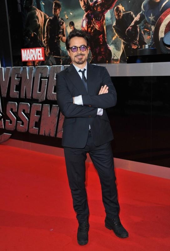 The Avengers: Robert Downey Jr. sul red carpet del cinema Vue Westfield per la première londinese del film