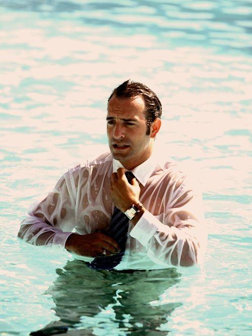 L'attore francese Jean Dujardin a mollo