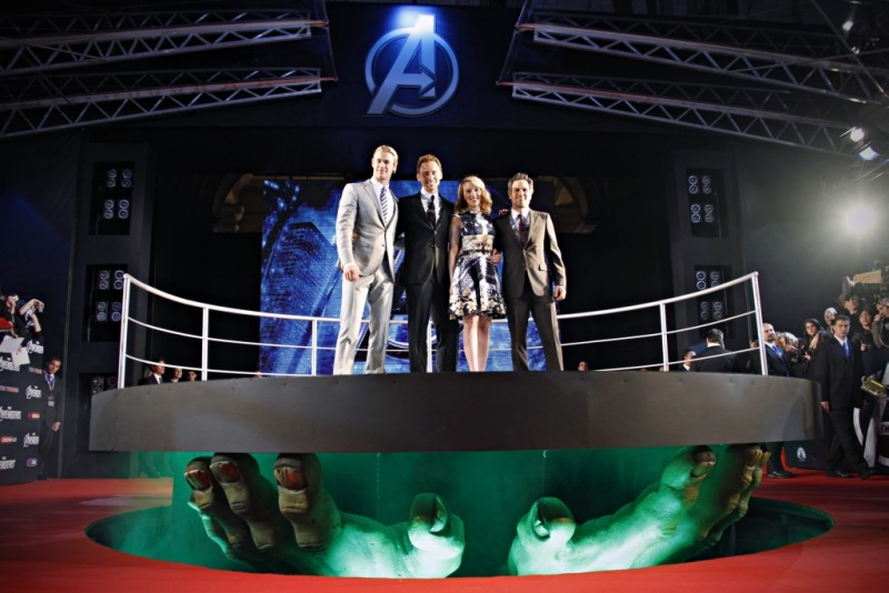 The Avengers: Scarlett Johansson, Mark Ruffalo, Chris Hemsworth e Tom Hiddleston alla premiere di The Avengers al Cinema Moderno The Space di Roma
