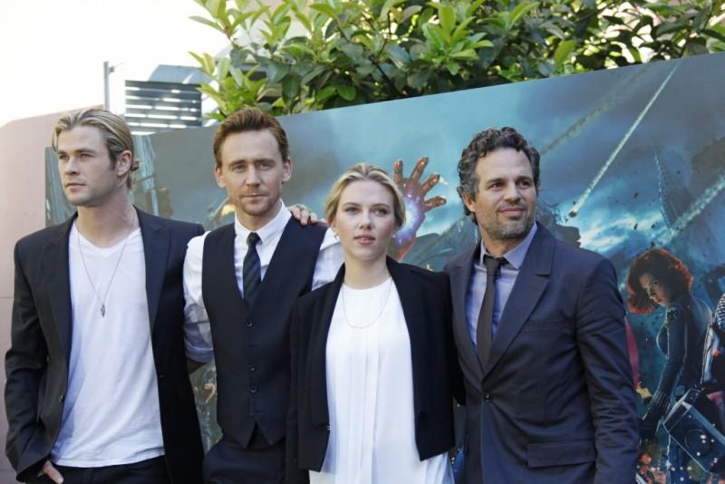 The Avengers: Scarlett Johansson, Mark Ruffalo, Chris Hemsworth e Tom Hiddleston durante il photocall di The Avengers a Roma