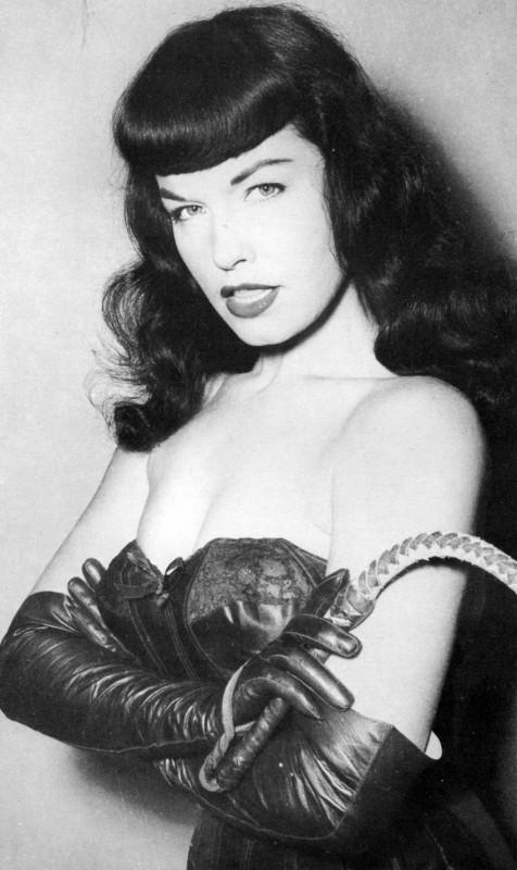 Bettie Mae Page, celebre pin-up degli anni Cinquanta