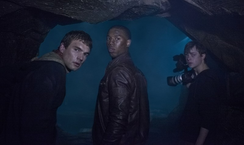 Chronicle: Alex Russell, Michael B. Jordan e Dane DeHaan in una buia scena del film