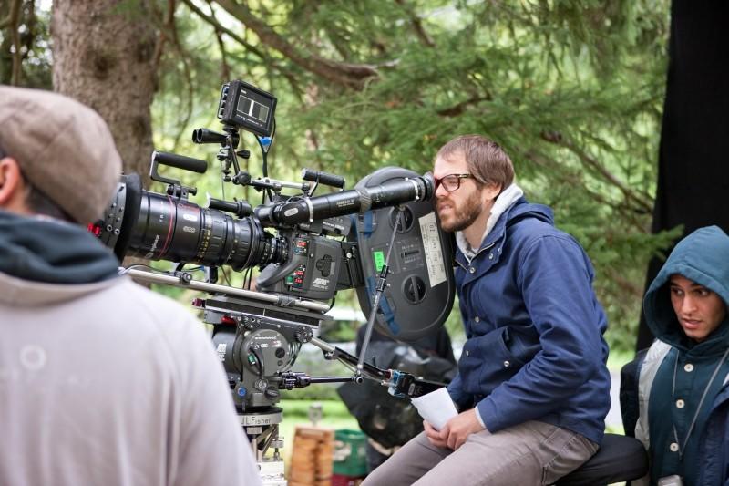 La fuga di Martha: il regista Sean Durkin sul set
