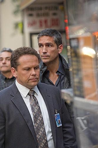 Person of Interest: James Caviezel e Kevin Chapman in una scena dell'episodio Judgement