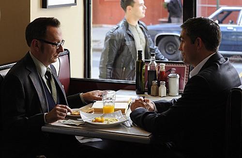 Person of Interest: James Caviezel e Michael Emerson in una scena dell'episodio Judgement