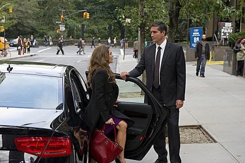 Person of Interest: James Caviezel e Paige Turco in una scena dell'episodio The Fix