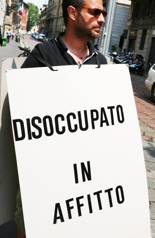 Disoccupato in affitto: una scena tratta dal documentario diretto da Luca Merloni