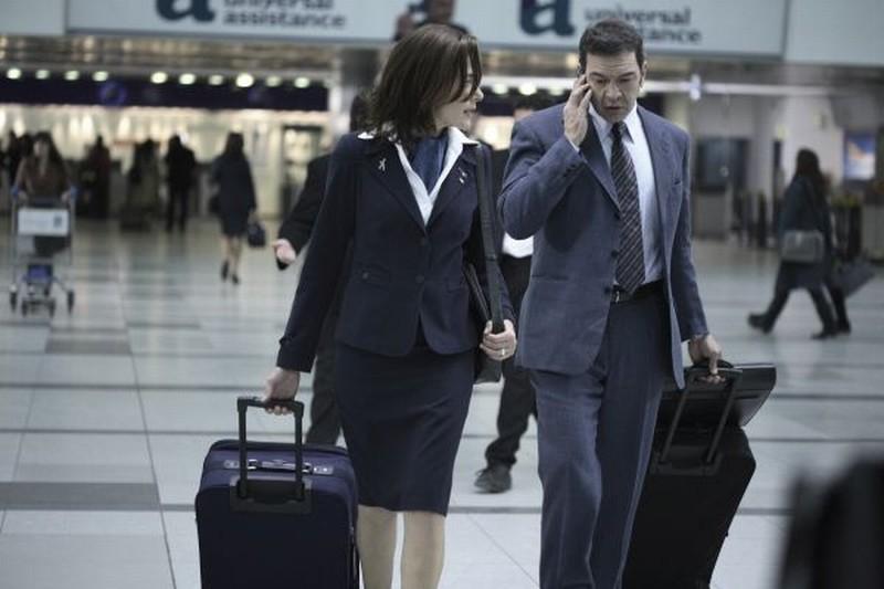 Il richiamo: Sandra Ceccarelli in aereoporto in una scena del film insieme a César Bordón