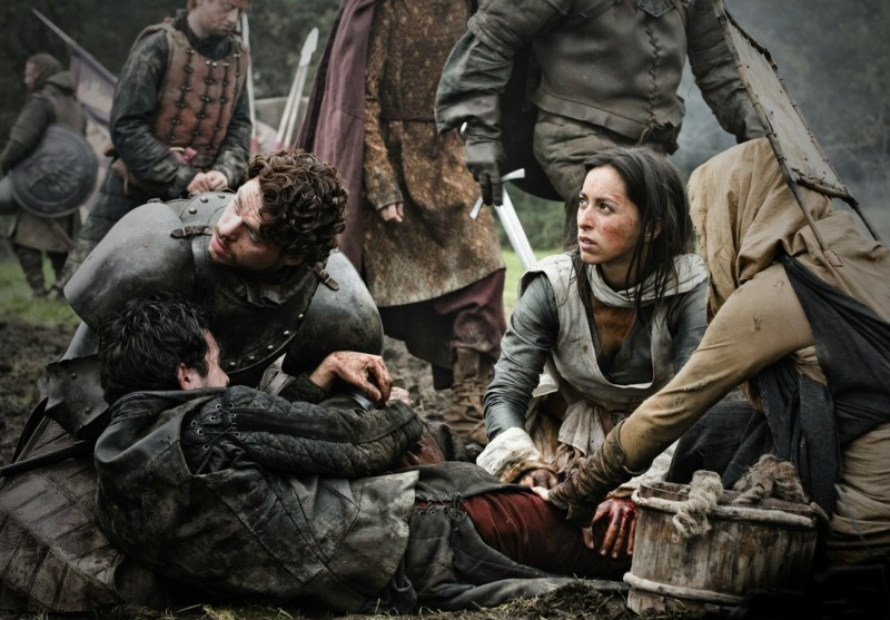 Game of Thrones:  Richard Madden ed Oona Chaplin nell'episodio Garden of Bones