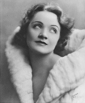 Marlene Dietrich in una foto di Irvin Chidnoff