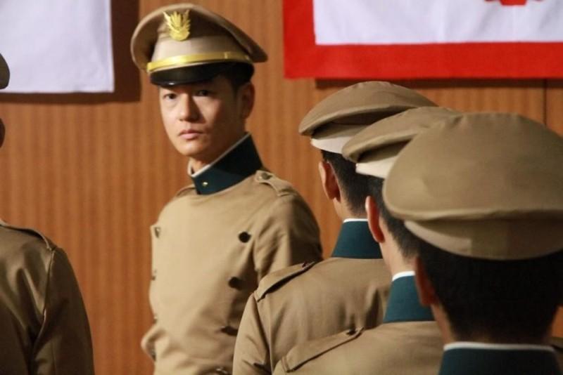 11/25 The Day Mishima Chose His Own Fate: Arata in una scena tratta dal film dedicato agli ultimi giorni di Yukio Mishima e al tentato colpo di stato del 1970