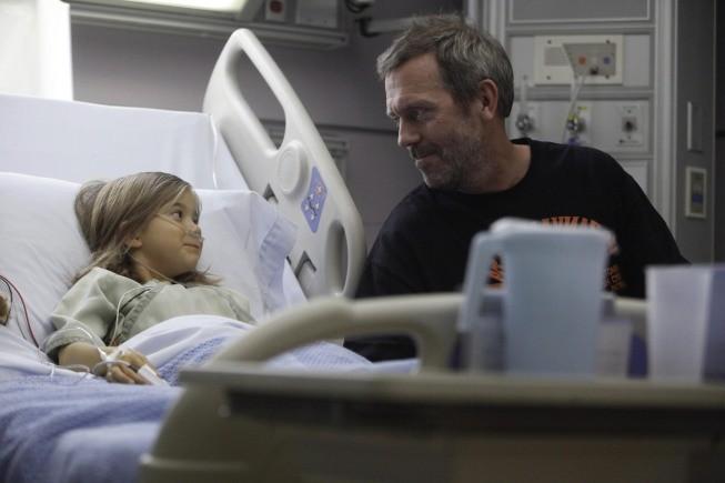 Dr House: Hugh Laurie e Rachel Eggleston nell'episodio The C-Word