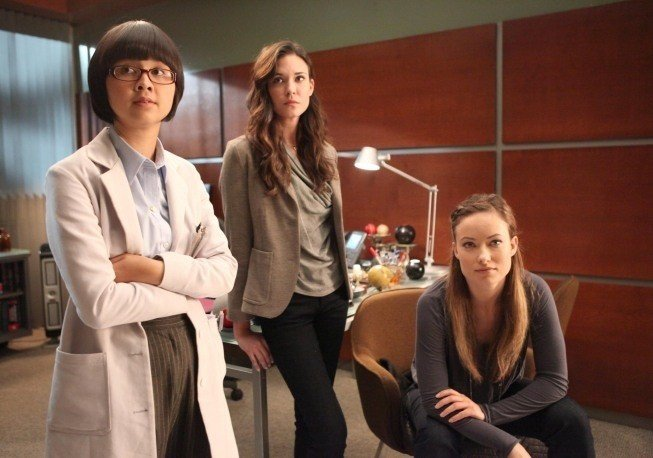 Dr House: Olivia Wilde, Odette Annable e Charlyne Yi nell'episodio Charity Case