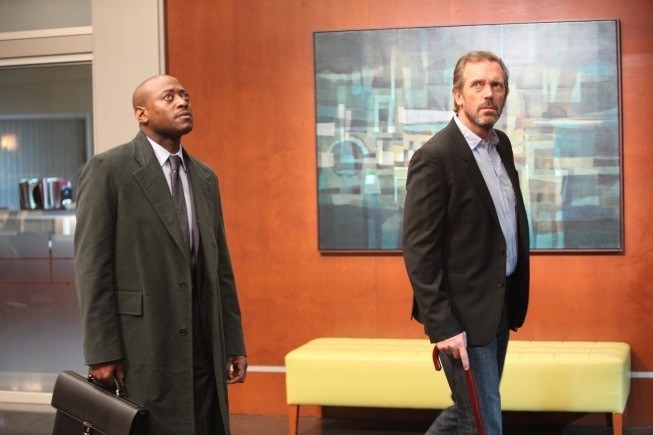 Dr House: Omar Epps ed Hugh Laurie nell'episodio Transplant