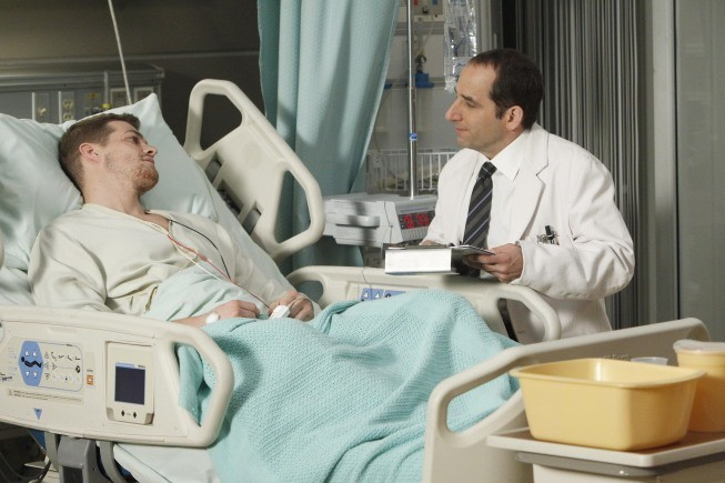 Dr House: Peter Jacobson e Greg Finley nell'episodio Gut Check