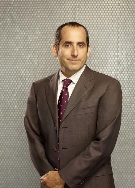Dr House: Peter Jacobson in una foto promozionale della stagione 8