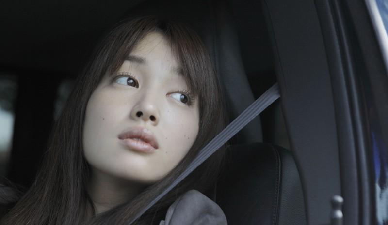 Like someone in love: Rin Takanashi in una scena tratta dal film di Abbas Kiarostami