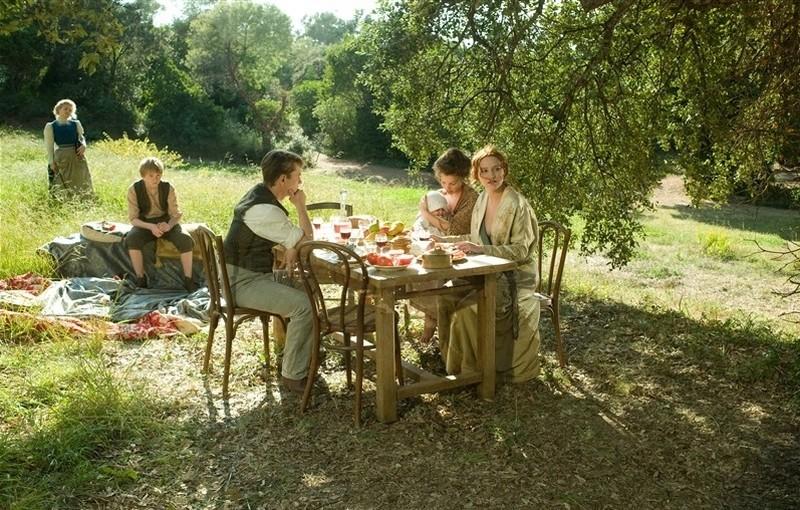 Renoir: Christa Theret durante la colazione in casa Renoir