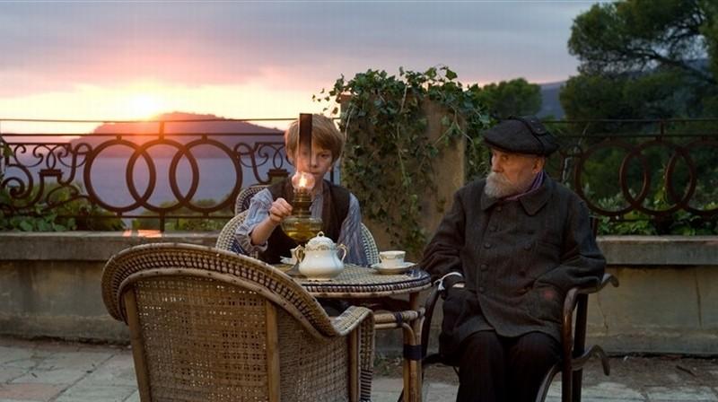Renoir: Michel Bouquet in una scena del film