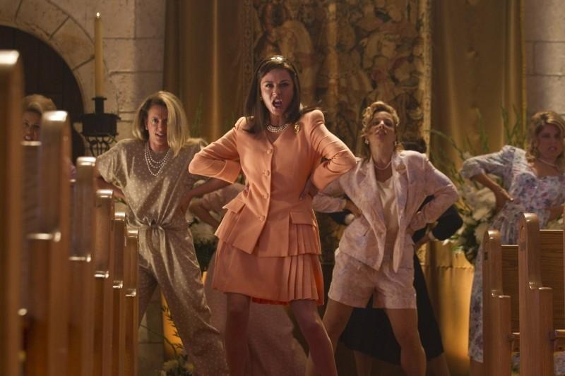 Rock of Ages: Catherine Zeta-Jones nei panni di Patricia Whitmore in una scena del film