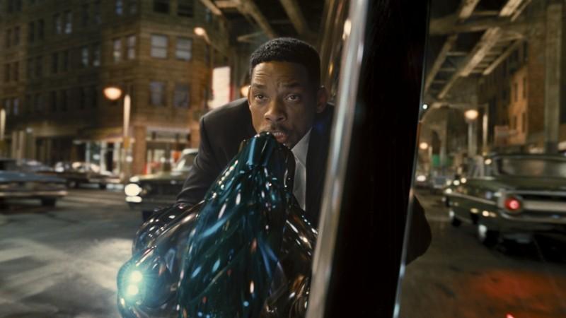 Men in Black 3: Will Smith in una scena d'azione del film