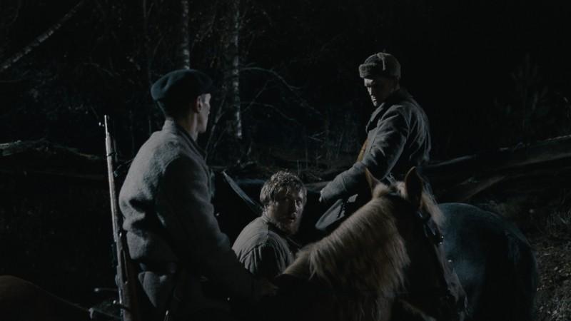 In the Fog: Vladimir Svirskiy in una scena tratta dal film
