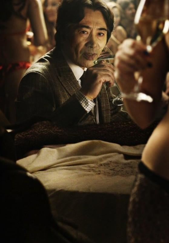 Taste of Money: Baek Yoon-sik in una lussuriosa scena del film