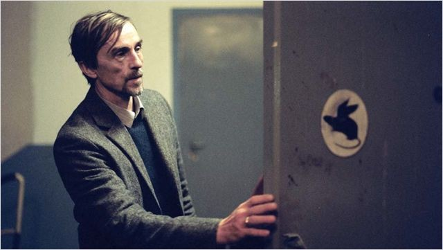 Die Vermissten, André Hennicke in una scena