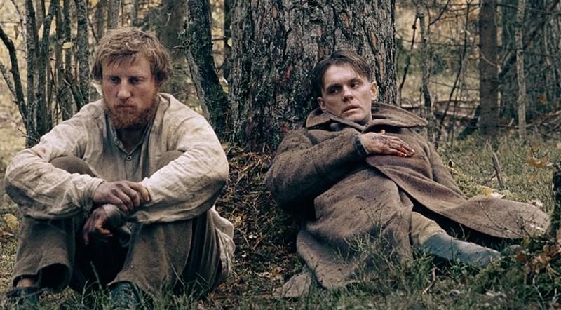 In the Fog: Vladimir Svirskiy insieme a Vladislav Abashin in un'immagine del film