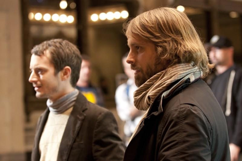 Maniac: Elijah Wood insieme al co-sceneggiatore e produttore del film Alexandre Aja sul set